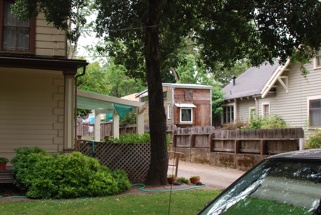 Plan to turn granny flats into affordable housing in for Accessory dwelling unit austin