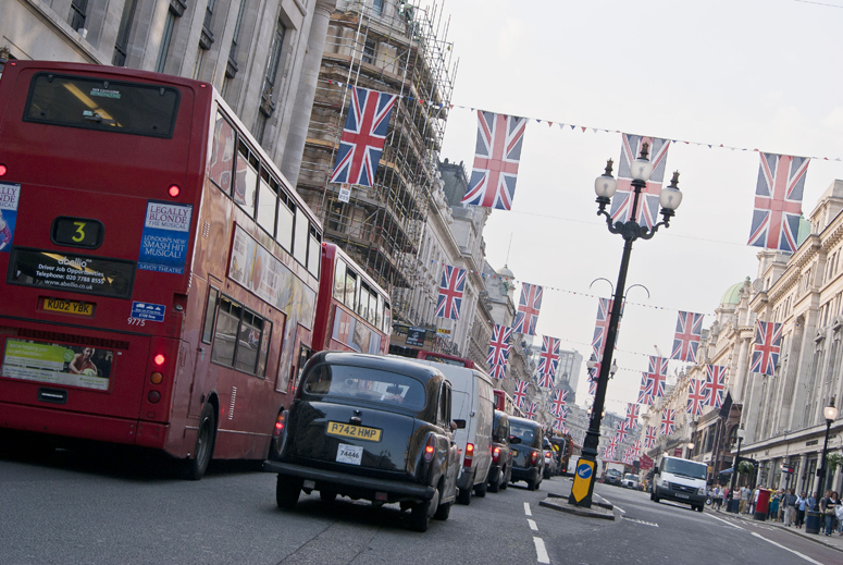 London Mayor Announces Car-Free Day to Combat City's Pollution
