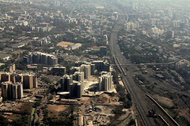 Despite What Planners Say, Densification and Railways Go Hand-in-Hand in Indian Cities