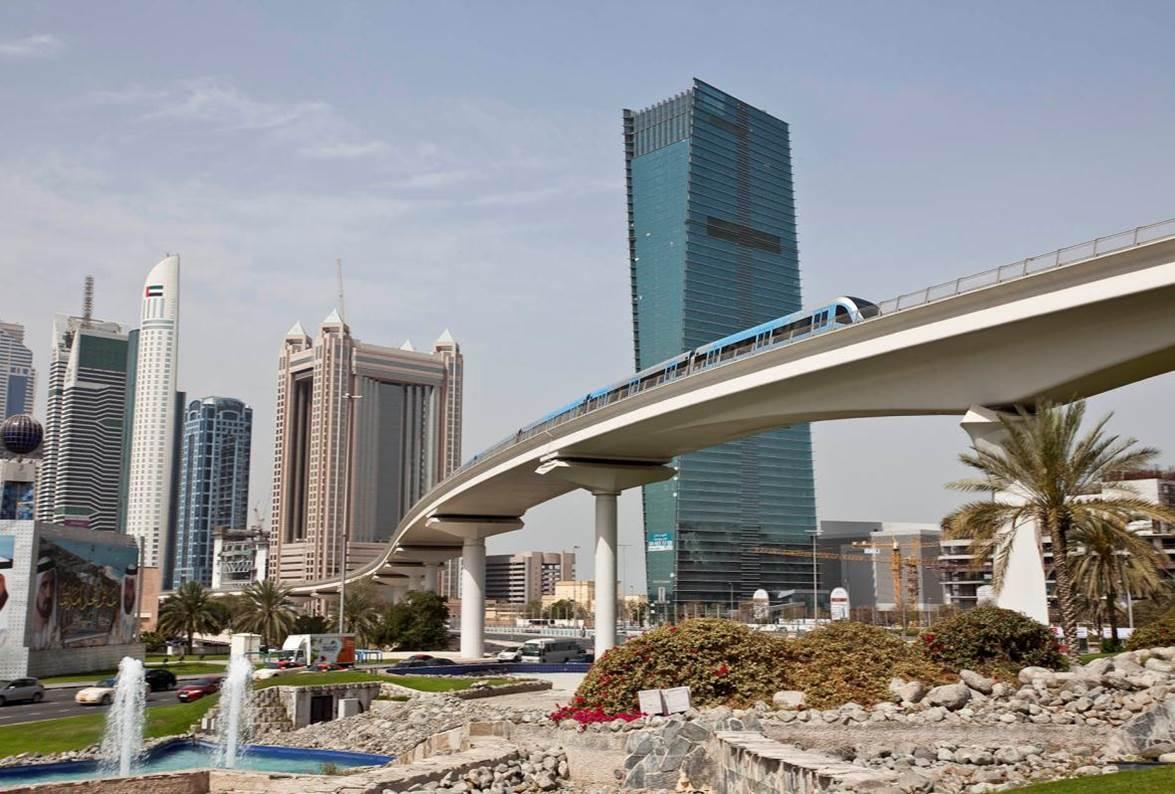 dubai prepares   world expo  metro extension  city