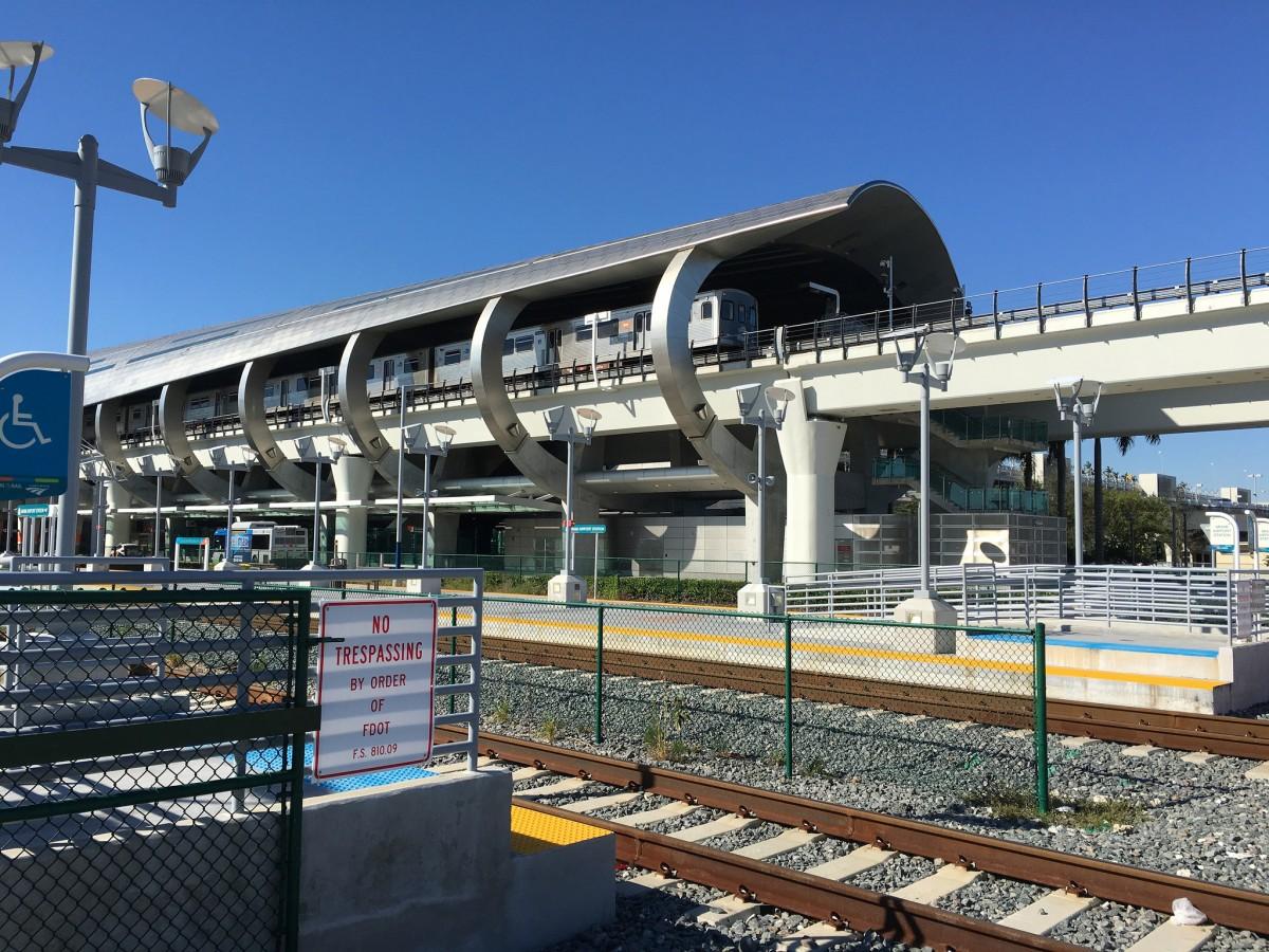 Miami Area Pols Revolt Against Buses Demand Light Rail