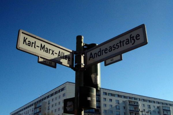 intersecting street sign