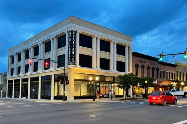A building along Main Street in Bellefontaine, Ohio