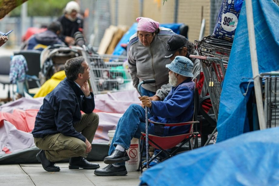 Mayor Garcetti meets with Angelenos experiencing homelessness and outreach workers in this October 30, 2017 file photo