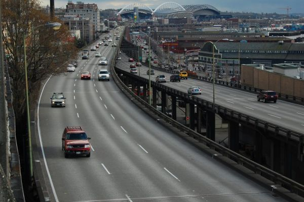Six-lane elevated highway in Seattle