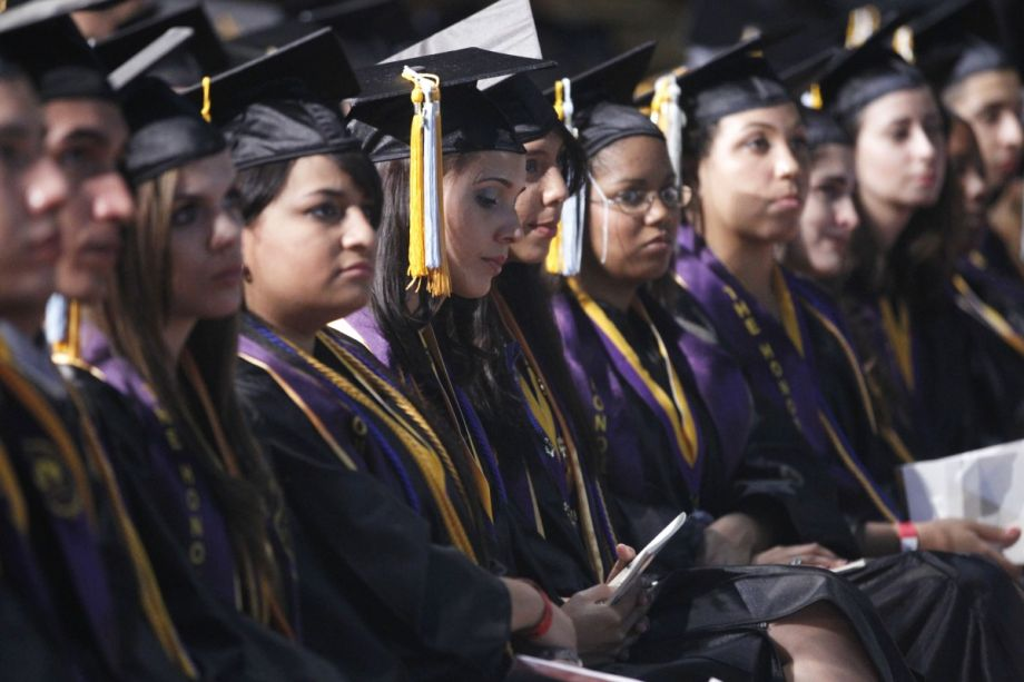Why Are So Many College Graduates Working Minimum Wage Jobs? – Next City