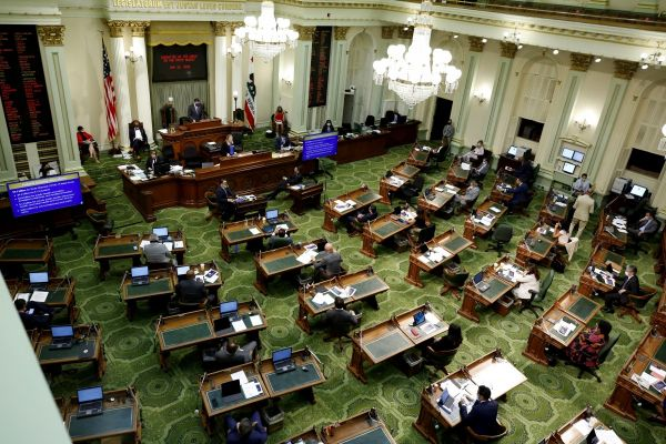 california assembly voting on the floor