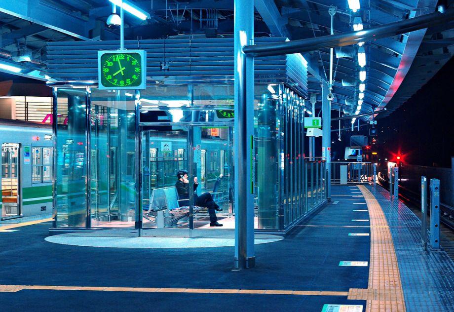 How Blue Lights On Train Platforms Combat Tokyo S