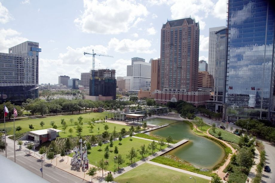the importance of parks and green areas in the city We create and maintain clean, green, safe, and accessible open space in more than 2,300 acres of park land throughout boston.