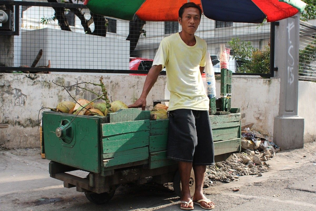 the importance of street vendors Street vendors – and the mode of contextualising urban livelihoods: street vending street vendors24 while both policy documents recognise the importance of.