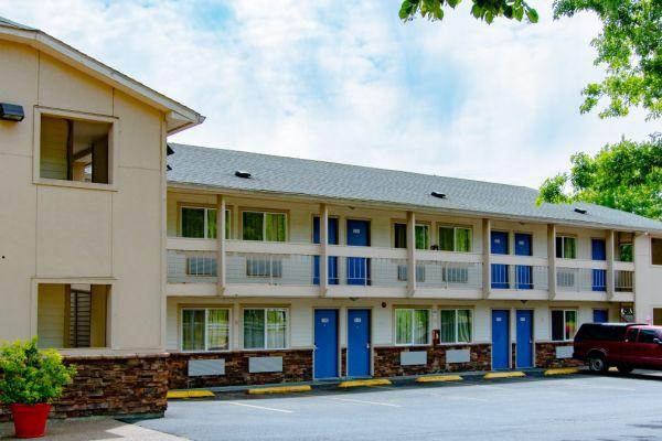 A motel in McMinnville, Oregon