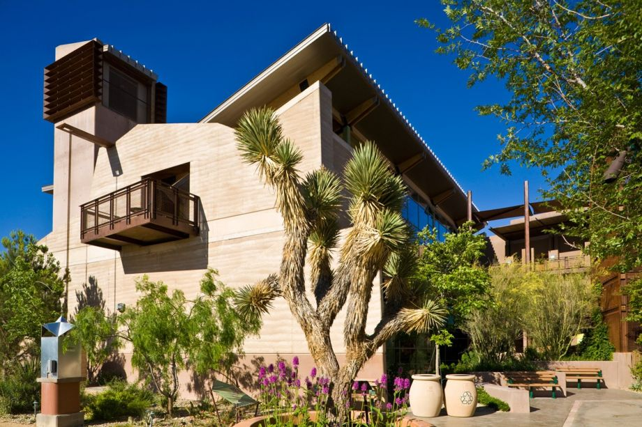 Rammed Earth Fits Into Urban Architecture's Sustainable ... on compressed earth block homes, modern earth sheltered homes, earth cement floors in homes, modern ranch style house designs, earth natural built homes, modern home design,
