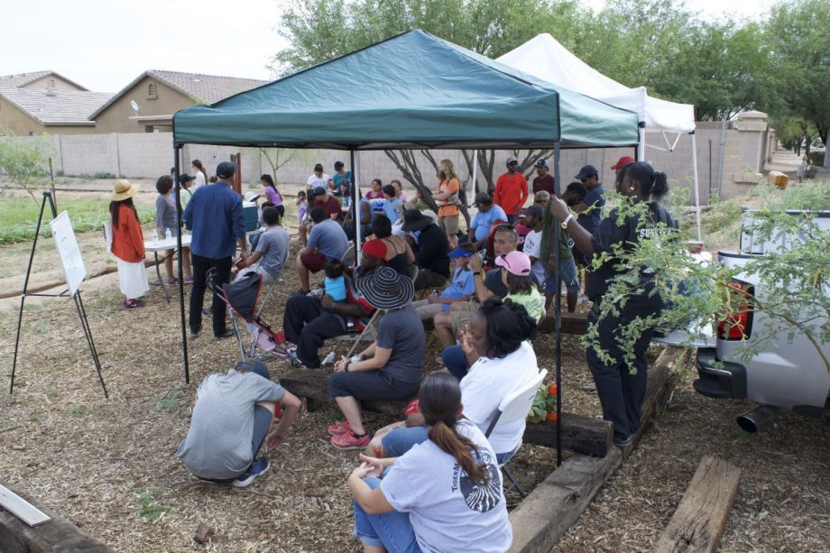 Can a community garden outgrow poverty in southern phoenix next city community engagement is a critical part of the development of an urban farming project in south phoenix credit dsgn agnc fandeluxe Images