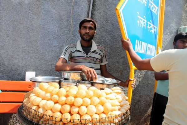 Why should street vending be banned?