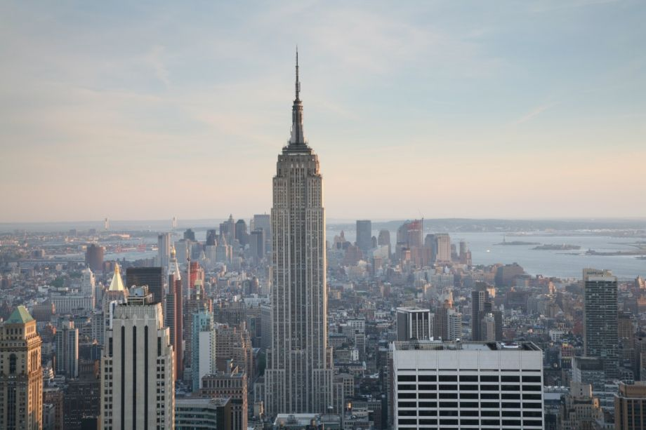 how a century old zoning law shaped the manhattan skyline next city