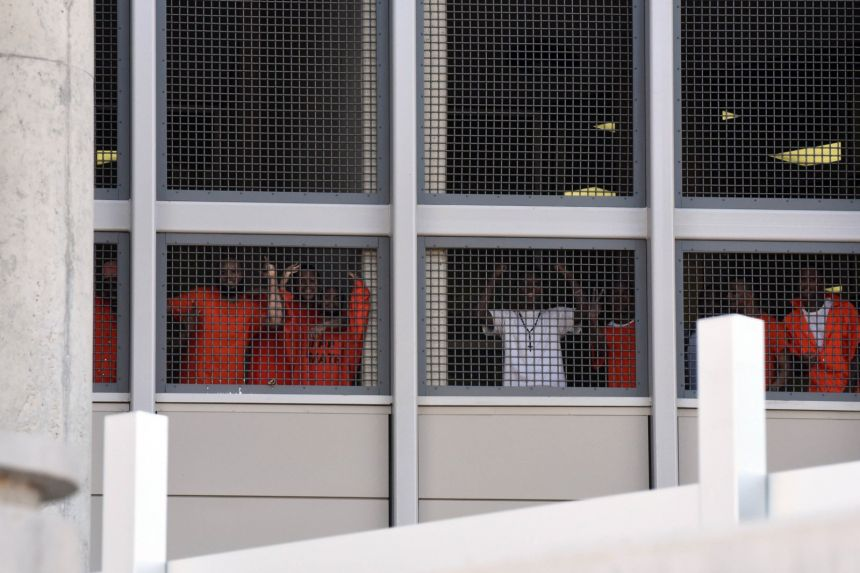 should prisoners be given the right That said, not all private prisons have to worry about recidivism  of prisons, offered states a deal: the company would buy state prisons (the.