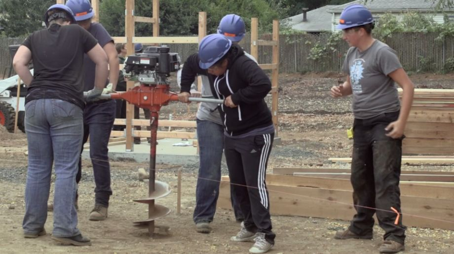 Op ed bridging the green divide in portland next city students of oregon tradeswomen work in cully park credit let us build cully park fandeluxe Images